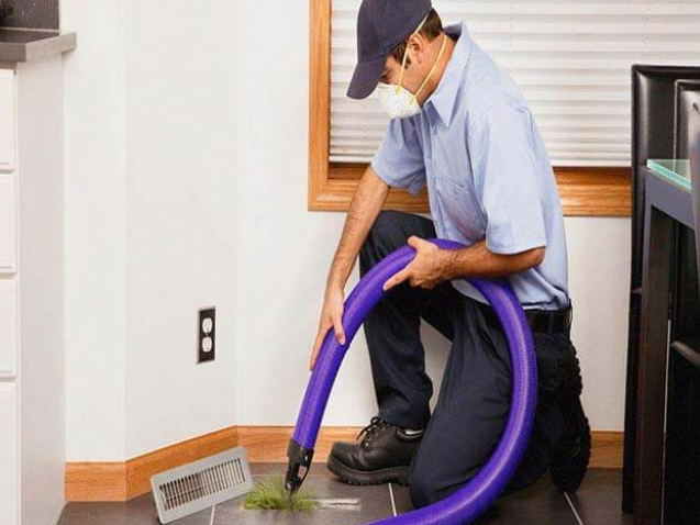 Floor Air Duct cleaning